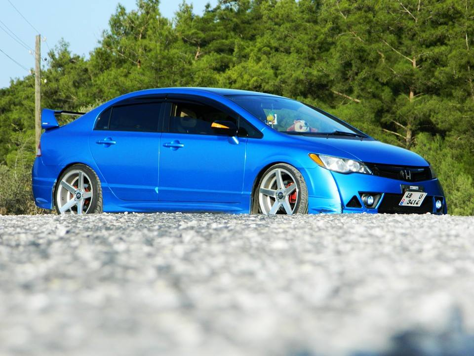 48U3414 – Blue Honda Civic RR